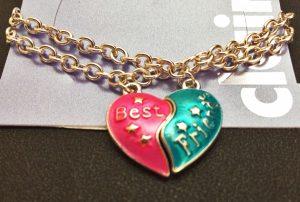 shoebox-stories-livia-necklace