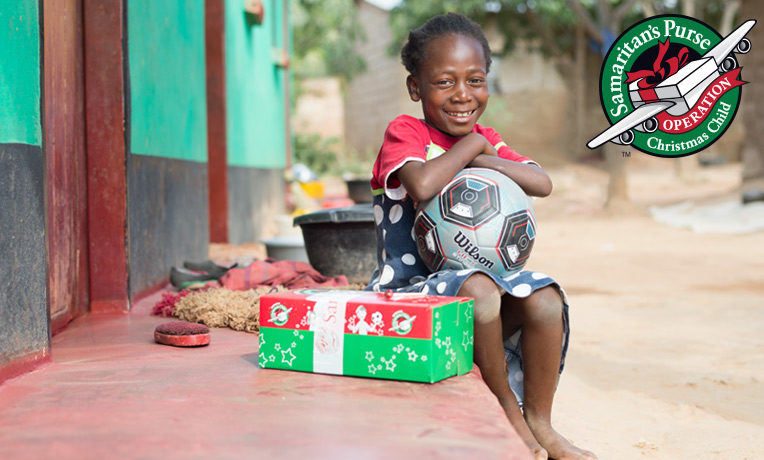 look whos packing shoebox gifts this year - Operation Christmas Shoebox