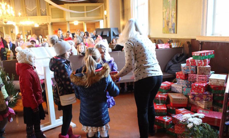 Handing out shoebox gifts in Latvia
