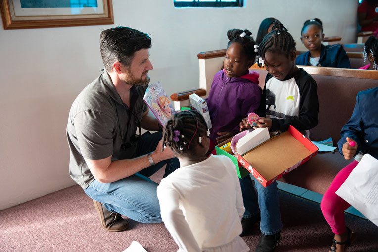 Edward Graham, son of Franklin Graham, was in the Bahamas recently to hand out shoebox gifts.