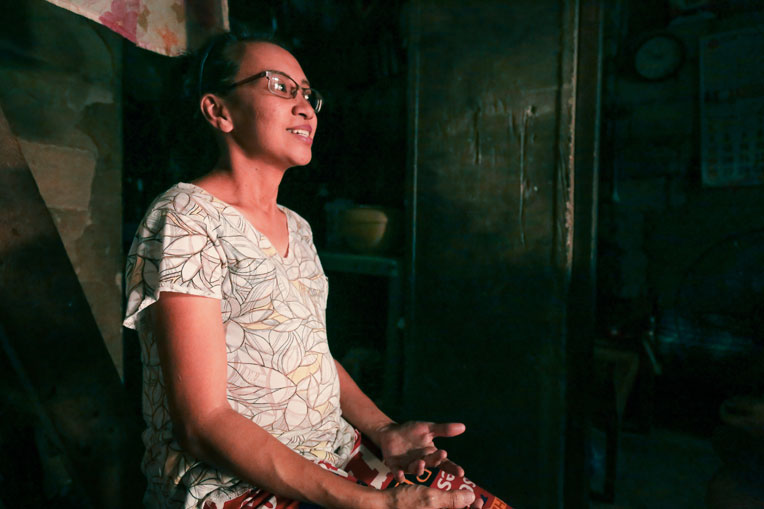 Bernadette lives in the slums and is pregnant with her fifth child.