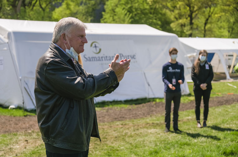 Franklin Graham was on the ground today to thank our medical team.