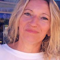 Caroline Duret avatar.
