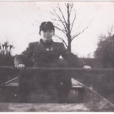 Boy rowing in Wunschendorf