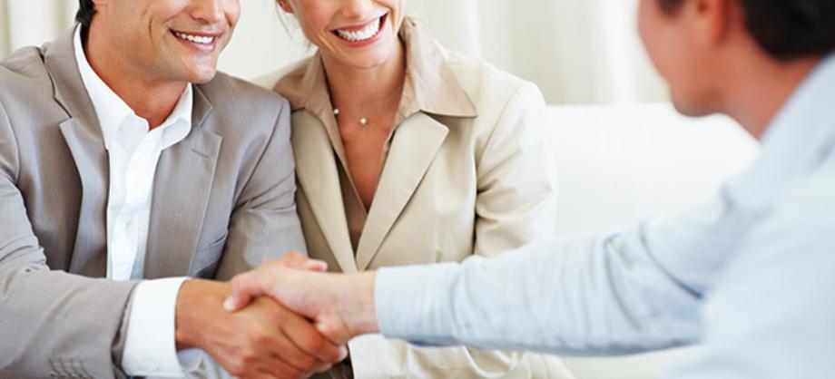 Atención al Cliente: Invertir en Atención y Servicio al cliente.