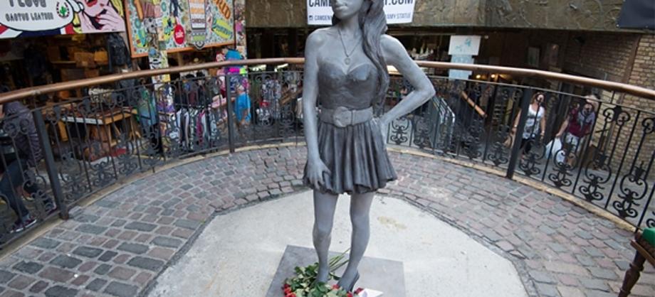 Actualidad: Conoce la estatua de Amy Winehouse en Camden Town