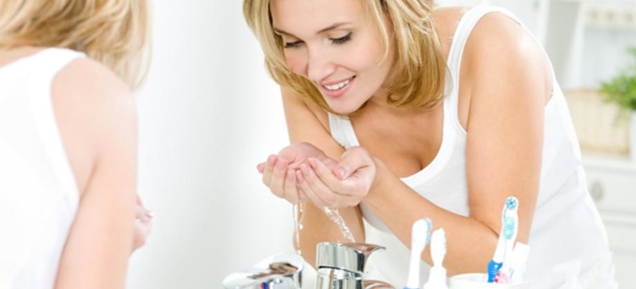 Familia y Hogar: Cómo lavarte la cara y evitar el envejecimiento