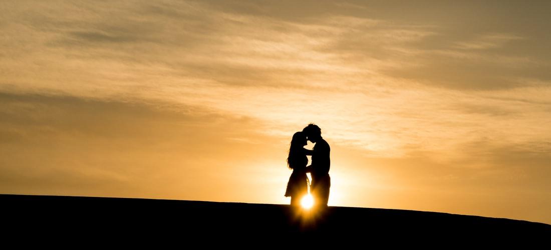 """Felicidad: Buscando """"un Poquito de Amor"""""""