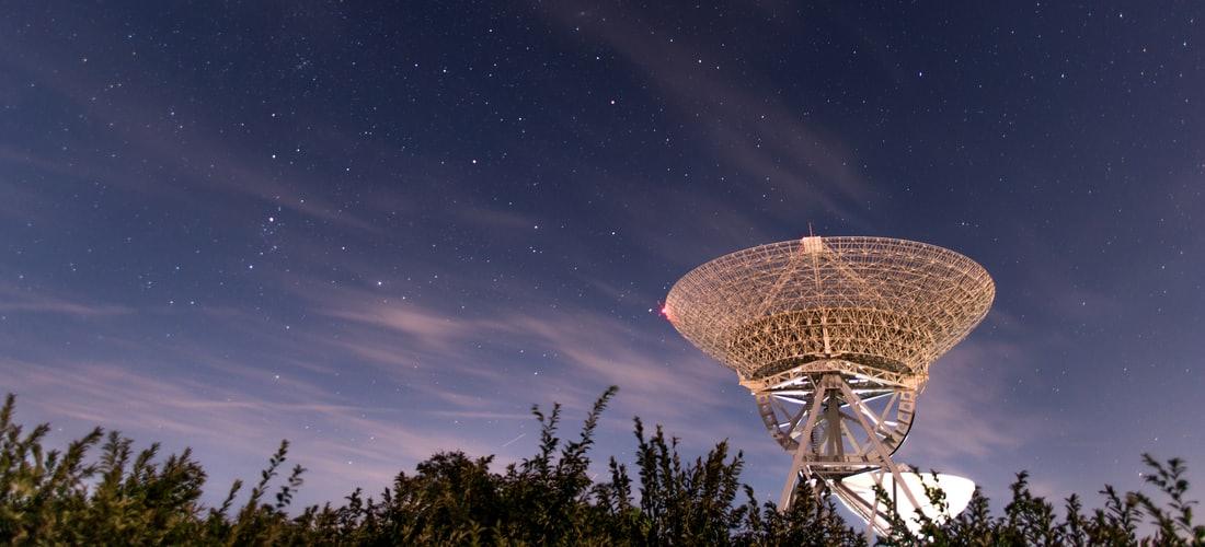 Comunicaciones: La Radio y la Internet Hoy en Día. una Forma de Integrarte a Este Fascinante Mundo.