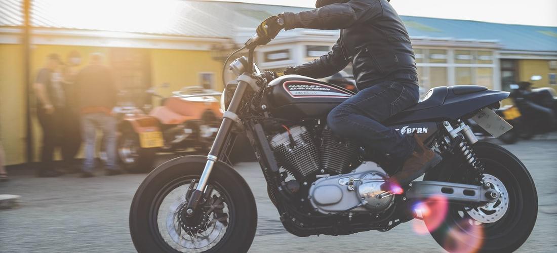 Casino y Apuestas: La Apuesta de Bwin por el Motociclismo