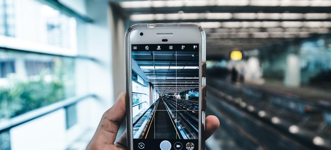 Telefonía Celular: Liberar el Móvil o Liberar Al Cliente