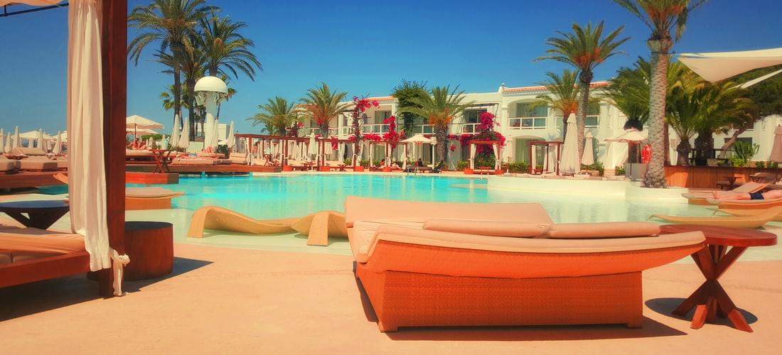 Hoteles y Alojamiento: Vacaciones en un Chalet de Lujo