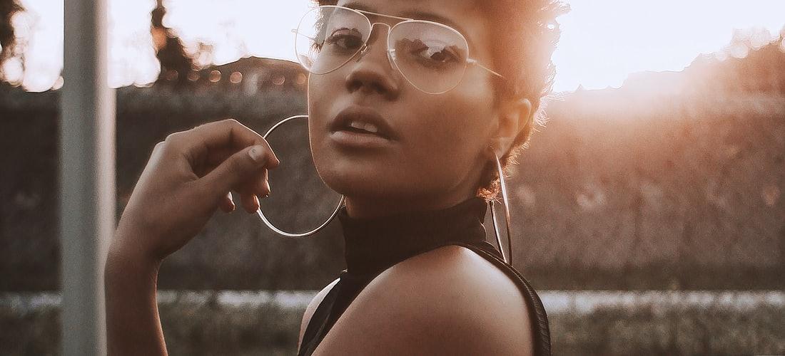 Solteros: Cómo Despertar Intriga en una Mujer