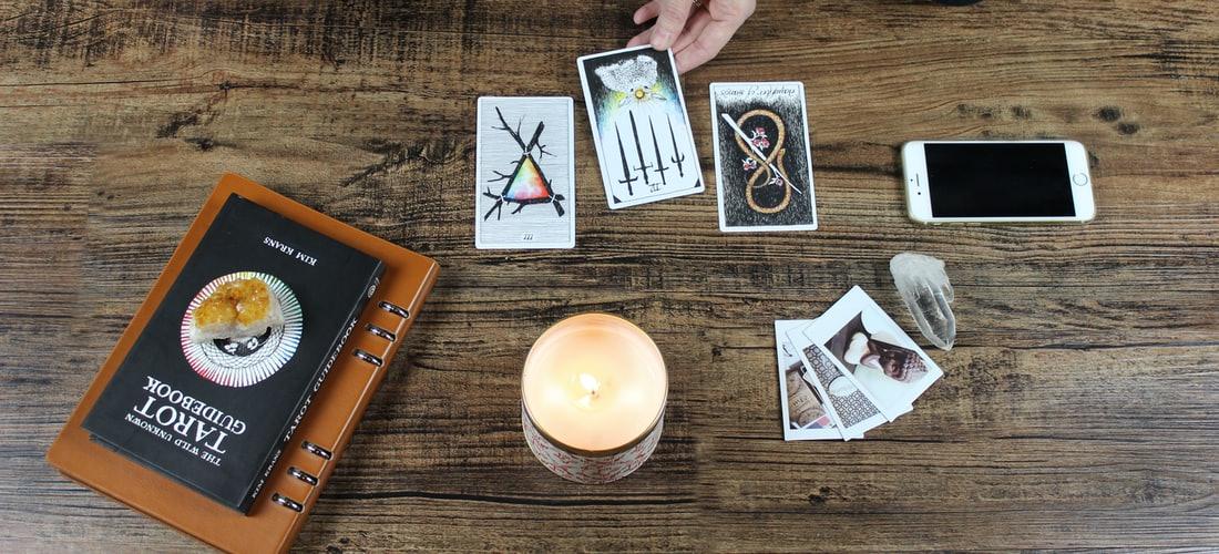 Inspiración y Creatividad: Lectura de las Cartas del Tarot