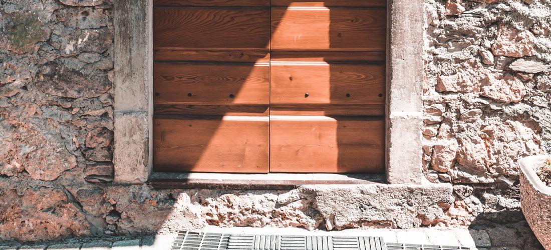 Estrategia y Gestión: Las Puertas Automáticas y sus Múltiples Usos