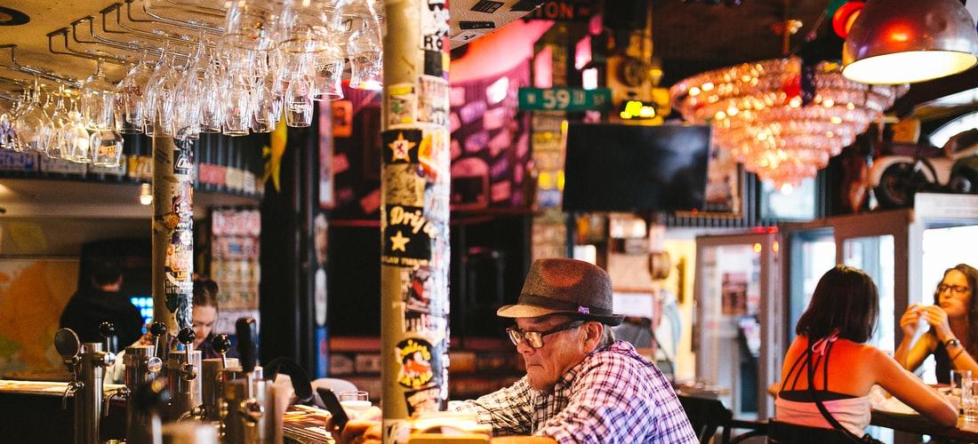 Casino y Apuestas: ¿Si Entras Al Bar y Juegas la Loteria, Te Aseguras un Credito Rapido de 300€?