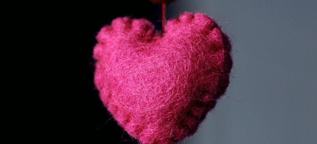 Solteros: Principales Ventajas E Inconvenientes del Amor a Distancia