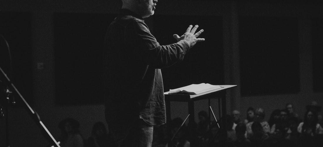 Hablar en Público: Cinco Consejos para Superar los Nervios de la Oratoria