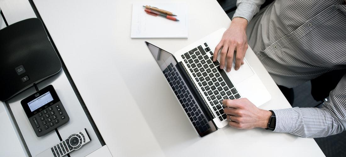 Administración y Negocios: Fórmula Fácil es un Embudo de Marketing Que Agrupa Varios Negocios Rentables
