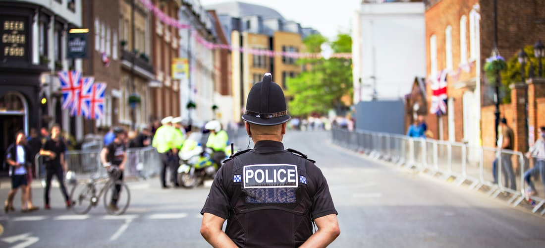 Vigilantes de seguridad para nuestra discoteca