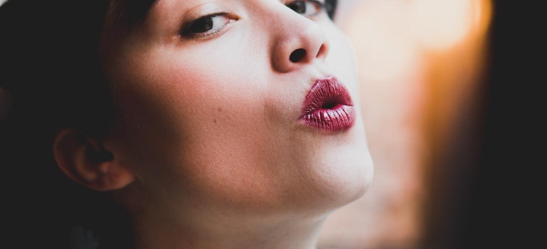 Salud de Deportistas: Cómo Usar Lápiz de Labios Rojo