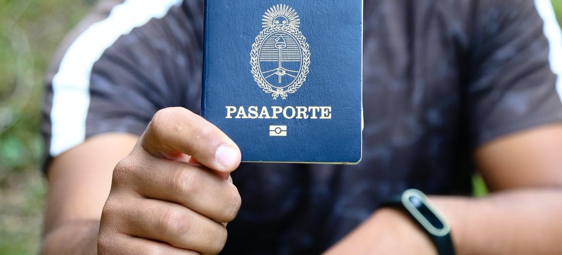 Política: ¿Como Obtener un Pasaporte Polaco?