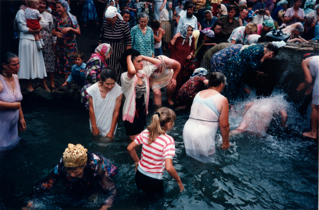 Bertien van Manen, Rostov on the Don, Holy springs, 1993, from the series: A Hundred Summers, A Hundred Winters, chromogenic color print, Collection Nederlands Fotomuseum Rotterdam