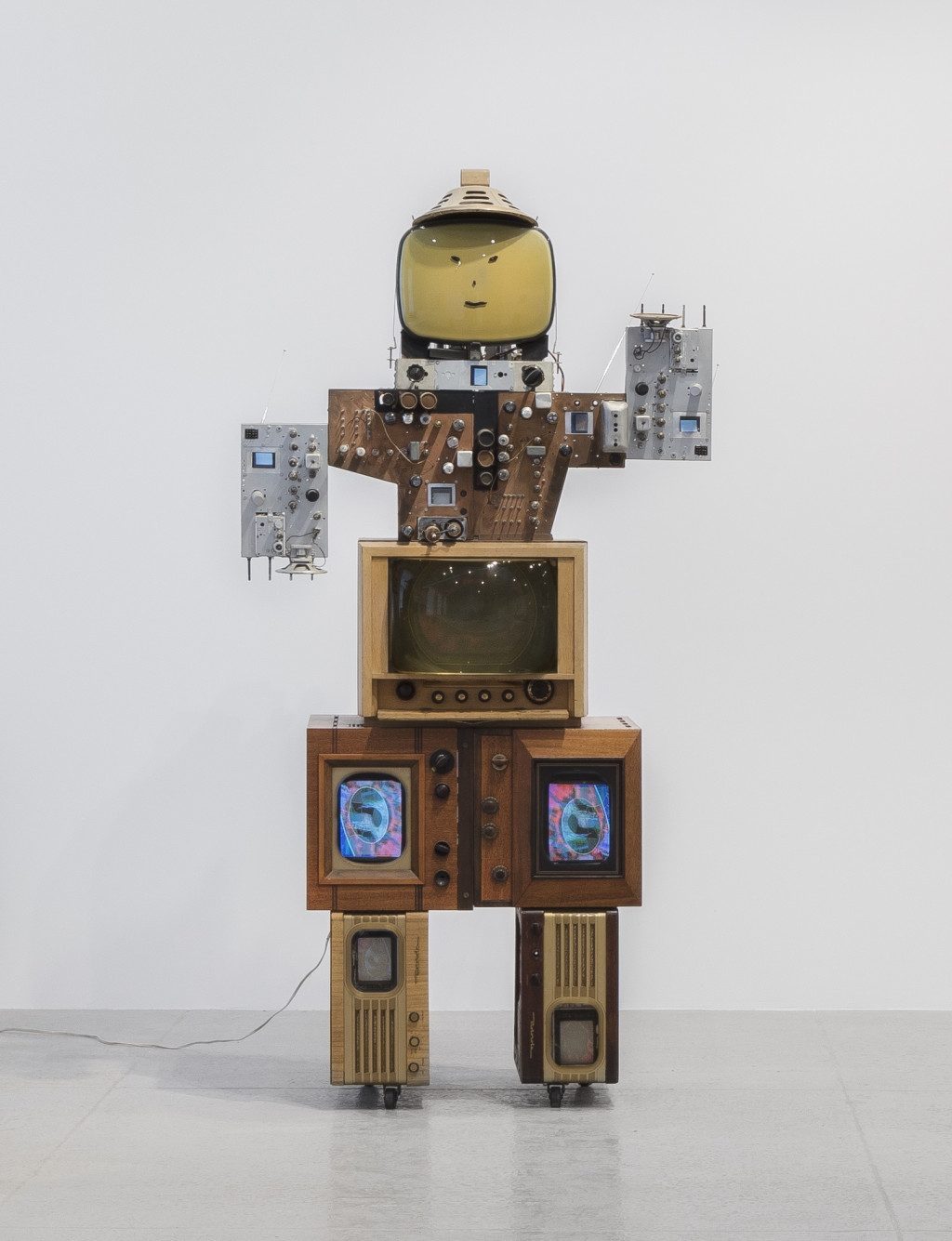 Nam June Paik, Uncle, 1986, Private Collection. Courtesy of Hauser & Wirth. © The Estate of Nam June Paik