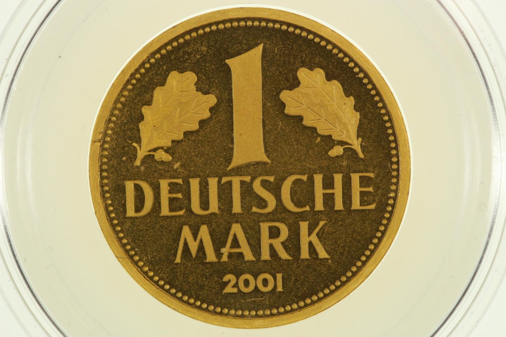 deutschland 1 dm gold m nze 2001 j stempelglanz bu. Black Bedroom Furniture Sets. Home Design Ideas
