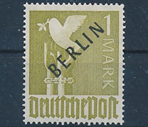 kompl.ausgabe 818-821 Berlin Postfrisch 1988 Wohlfahrt west