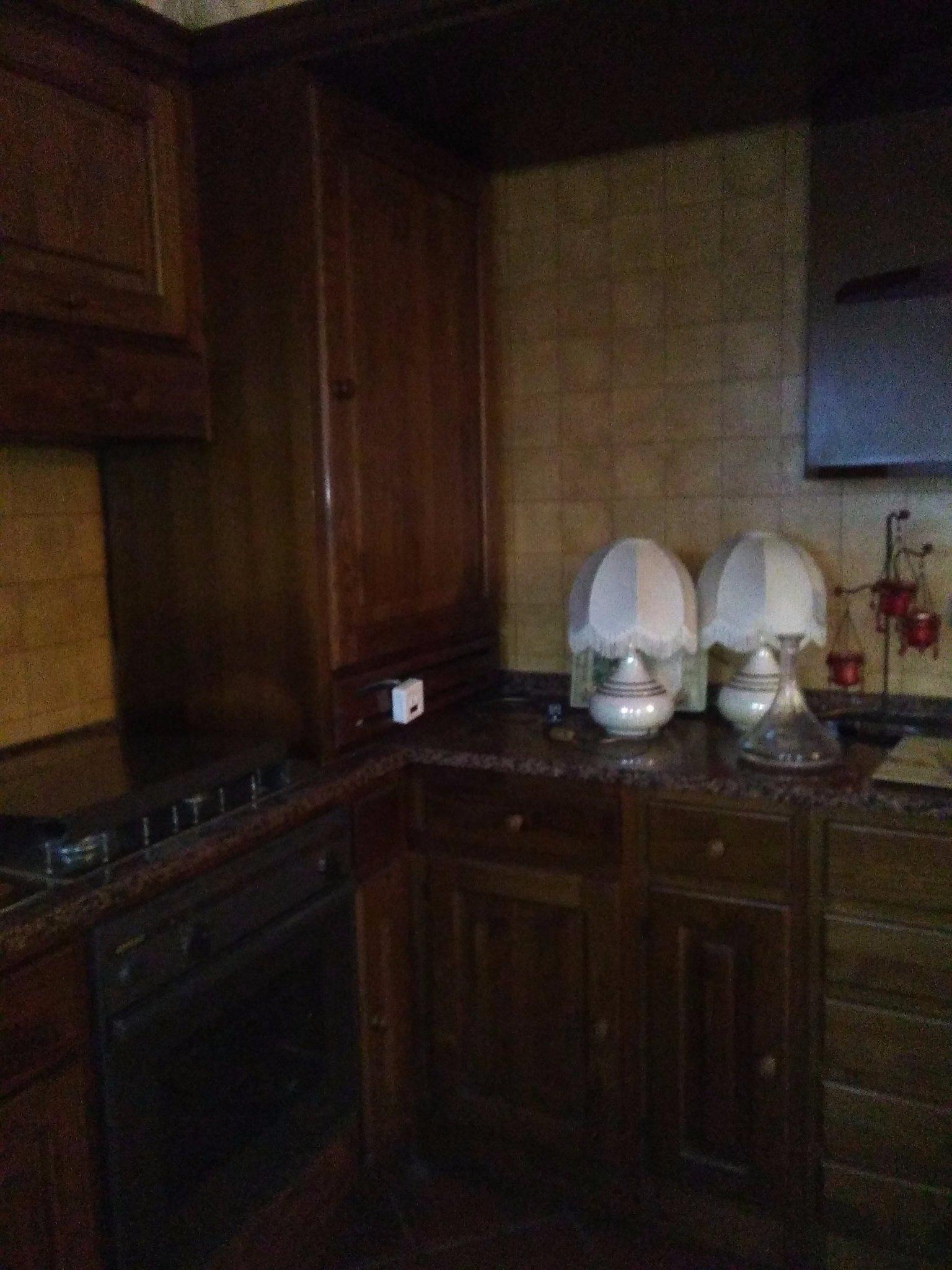 Verniciare o laccare ante vecchia cucina - Instapro