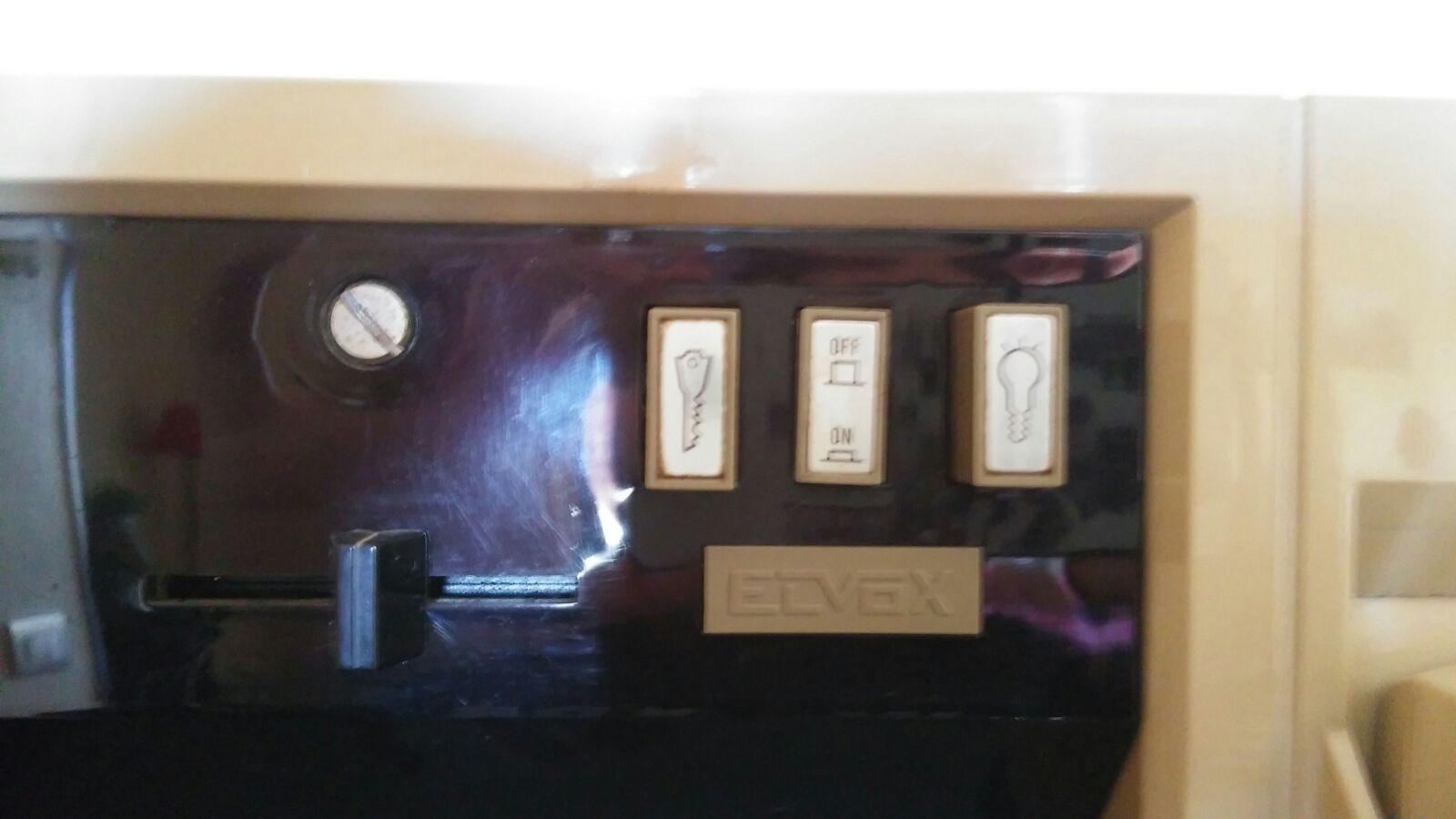 Sostituzione riparazione vecchio videocitofono for Videocitofono condominiale