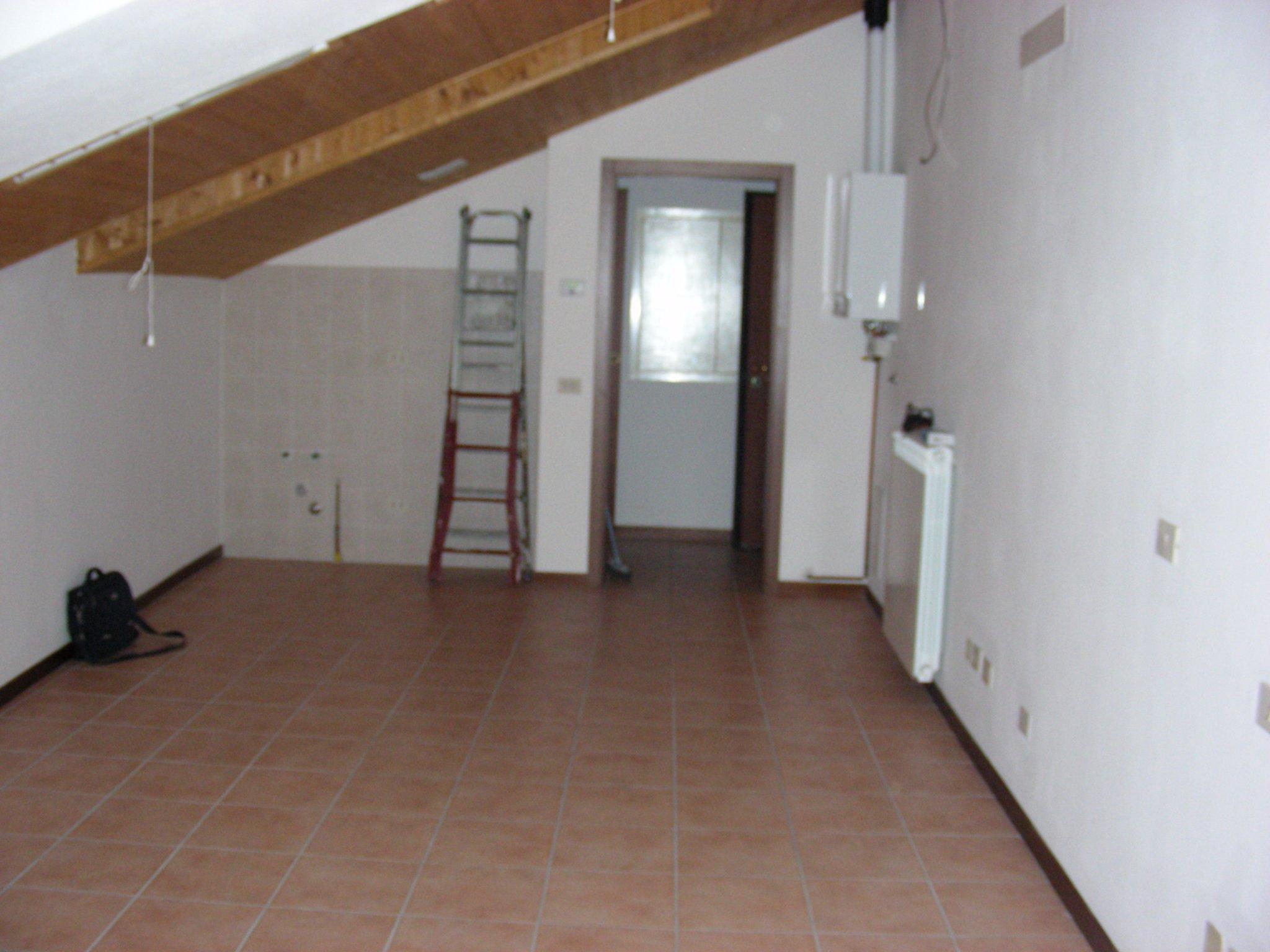 Insonorizzazione soffitto legno a vista di mansarda 43m2 for Soffitto a vista