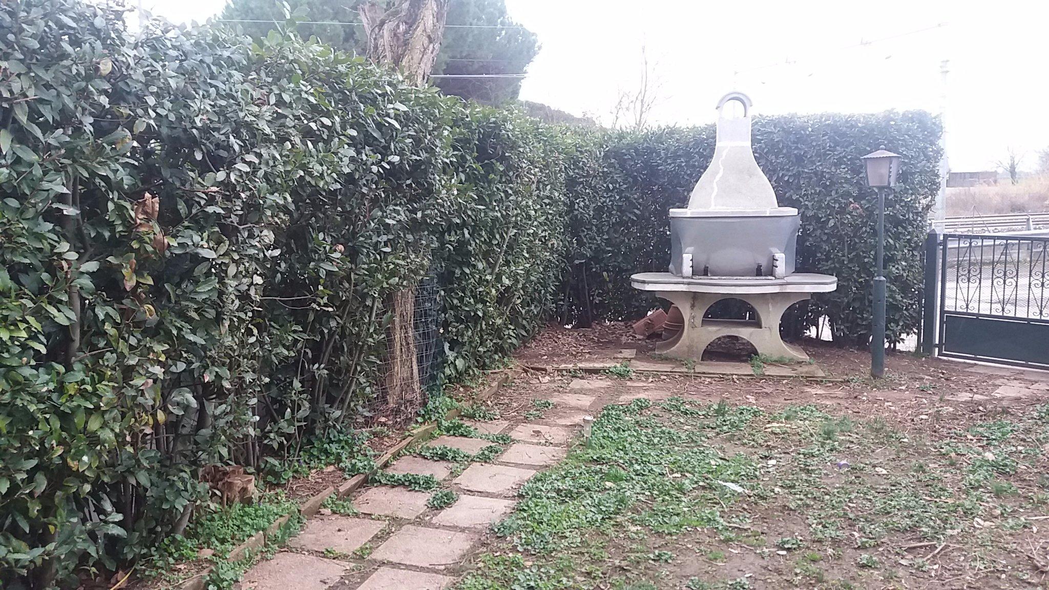 Sistemazione giardino completo di prato sintetico instapro - Sistemazione giardino ...