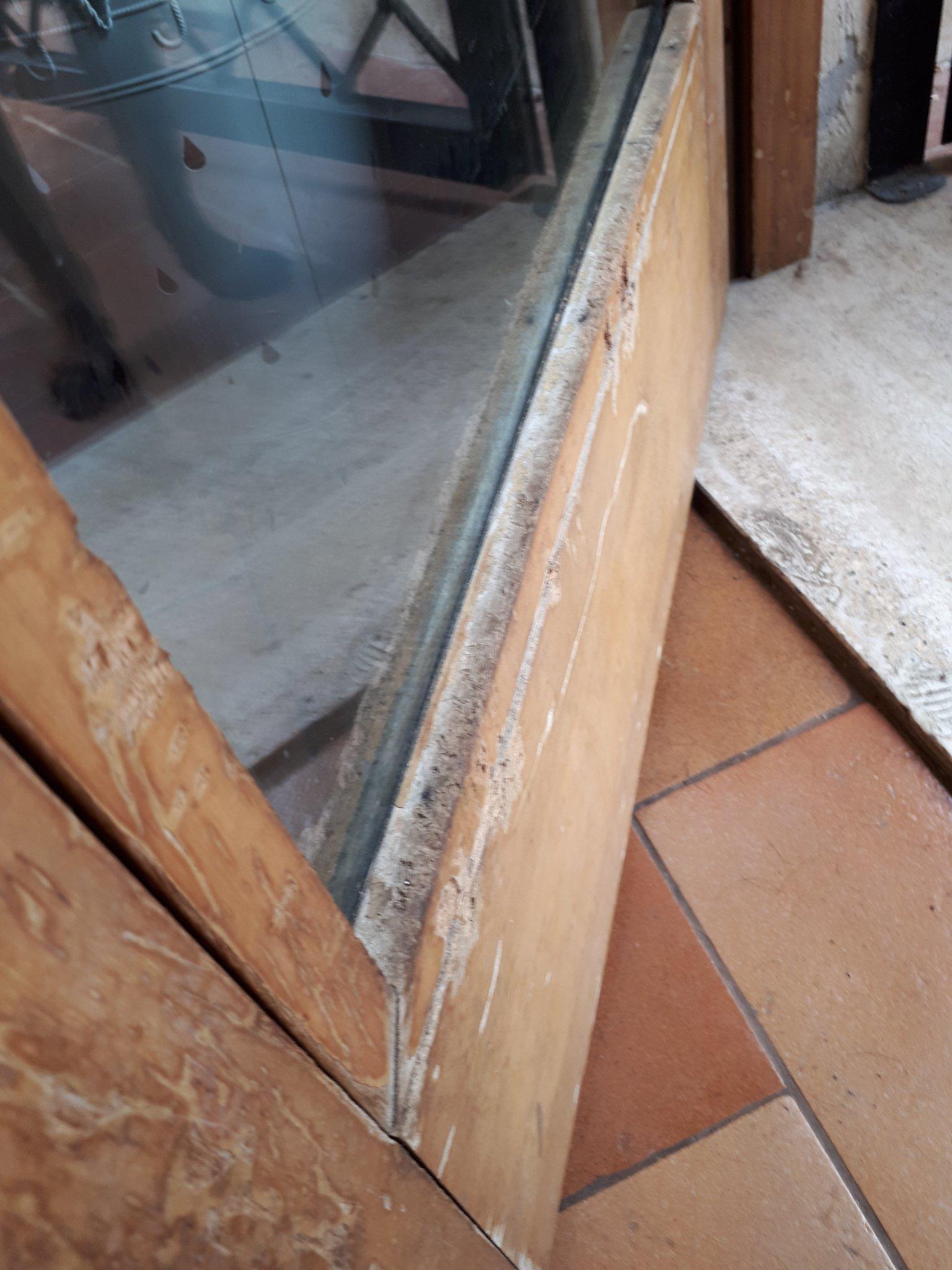 Come Sistemare Una Porta In Legno riparare 2 scalini in legno e parte bassa della porta morsi