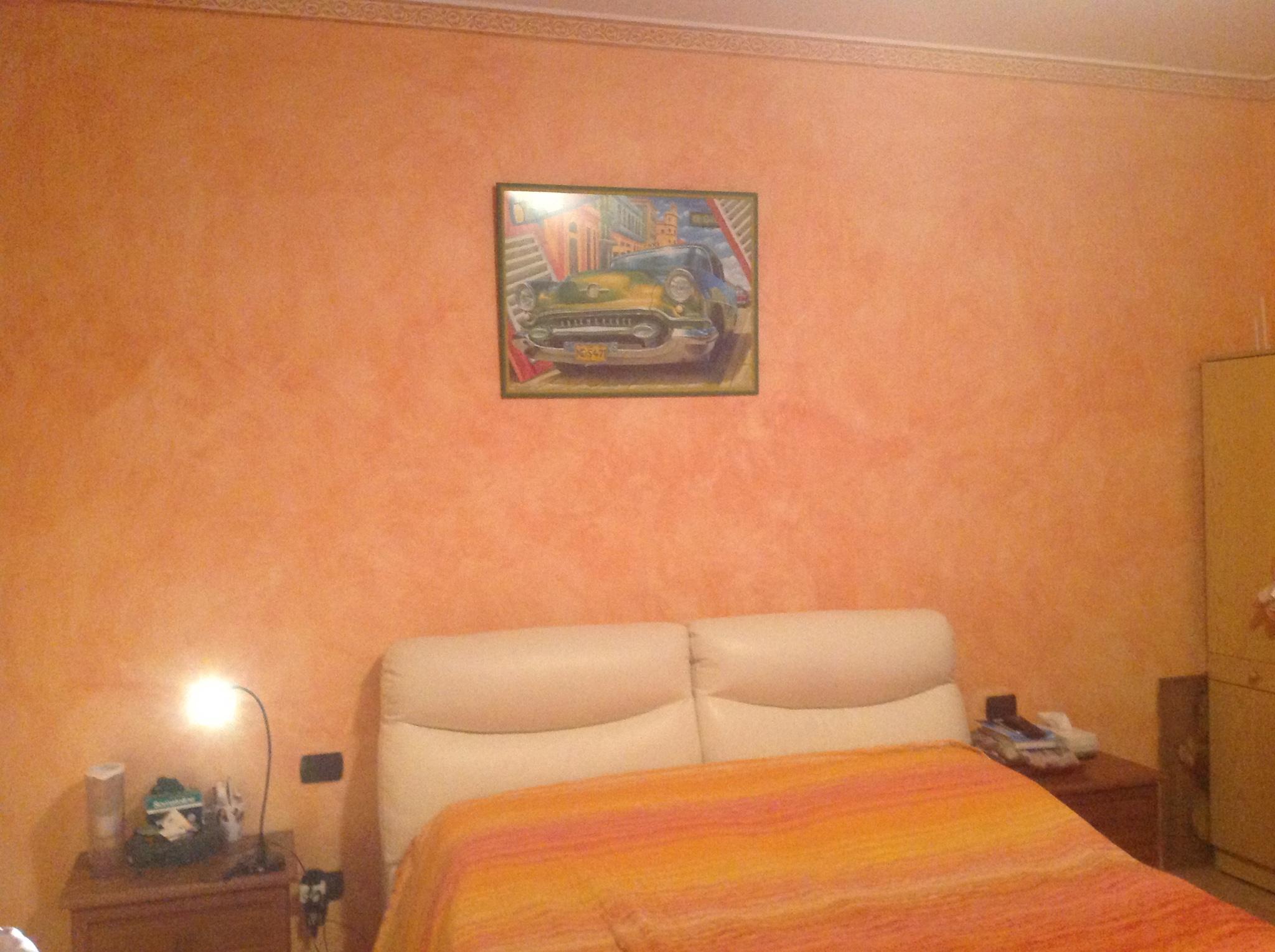 Isolamento acustico di una parete della camera da letto - Instapro