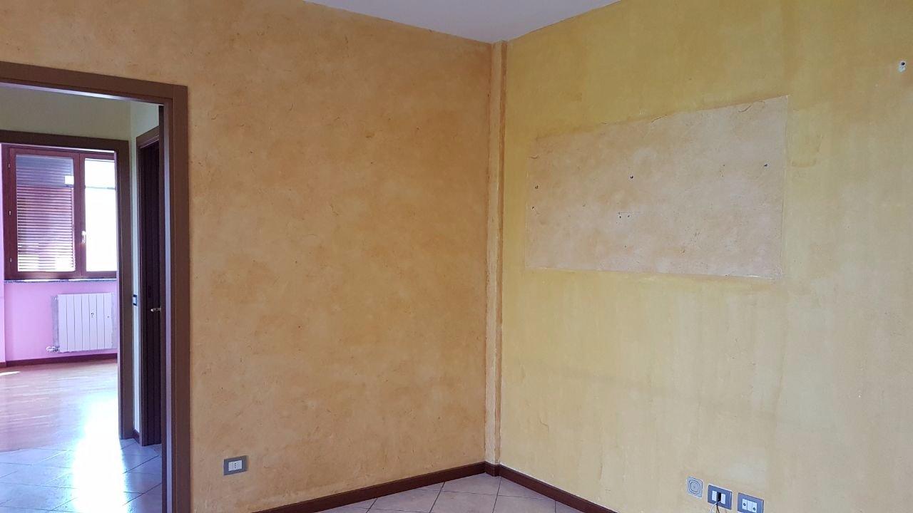 Imbiancatura appartamento e ristrutturazione infissi for Doppi infissi esterni
