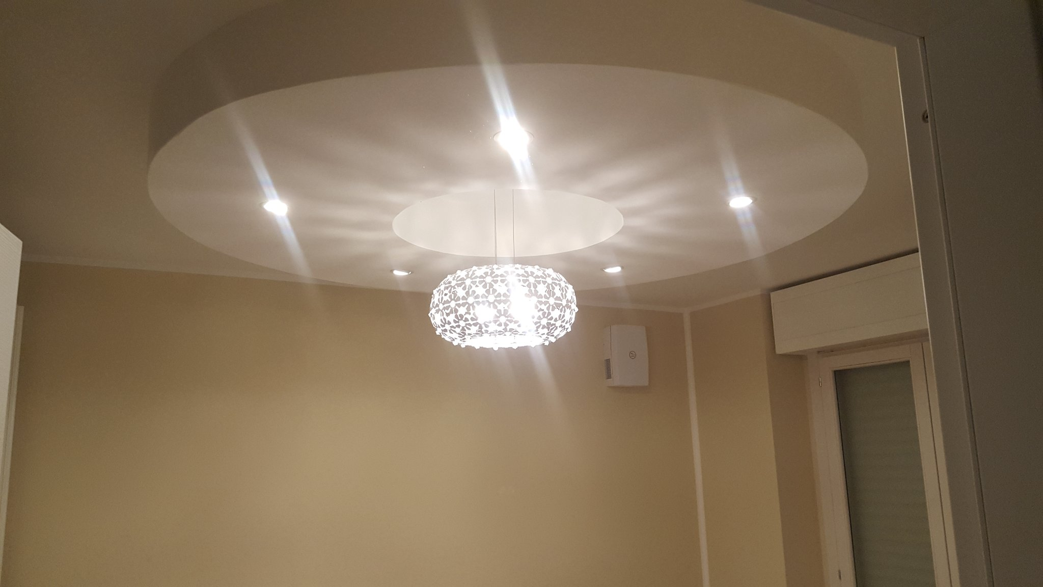 Controsoffitto con faretti e led instapro for Led controsoffitto