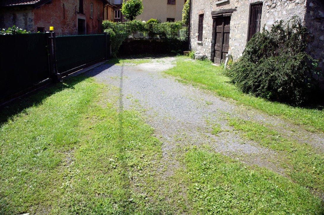 Pavimentazione cortile con autobloccanti instapro - Pavimentazione cortile esterno ...