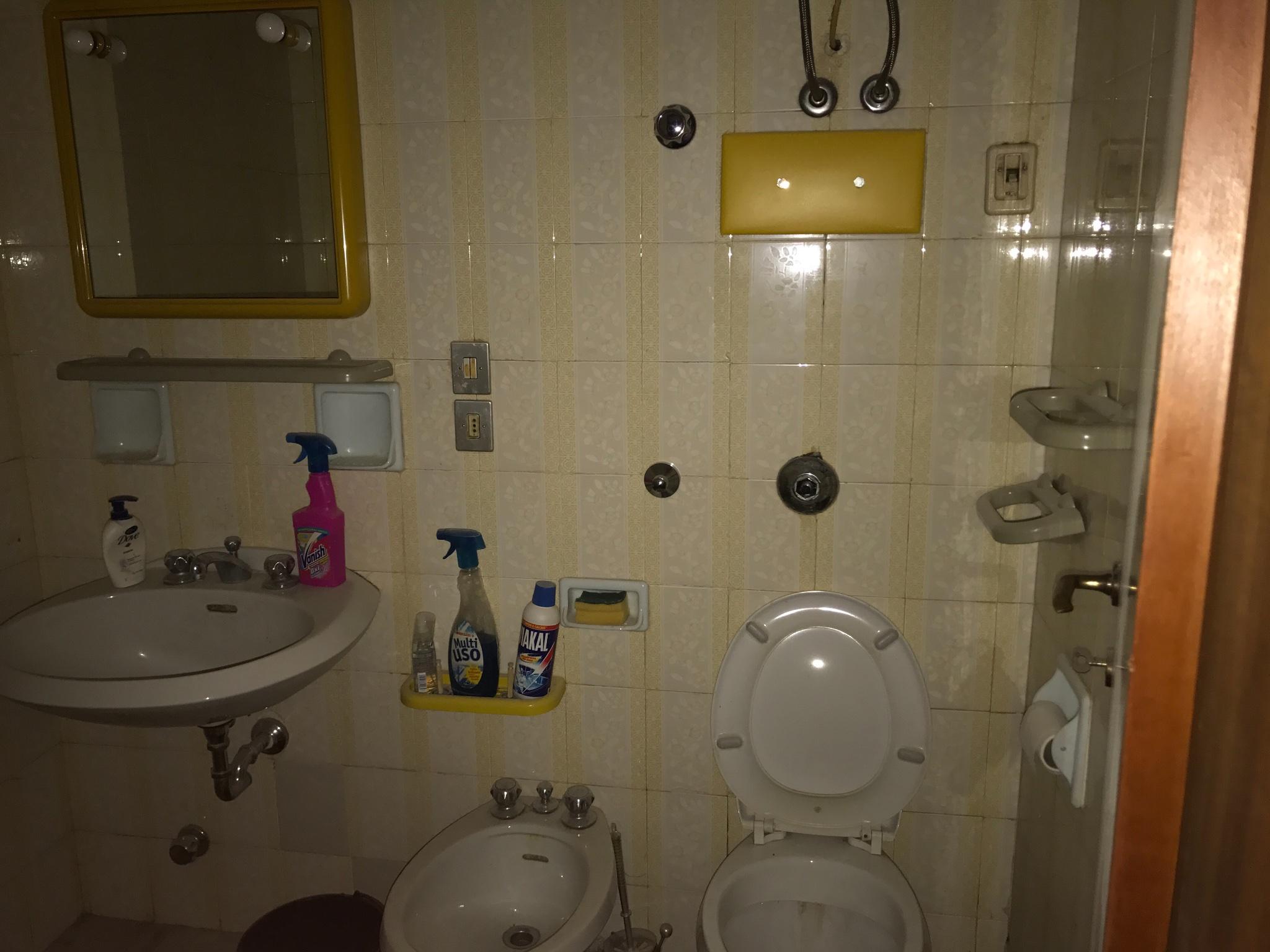 Lucida pavimenti marmo e parquet rifare bagno tinteggiare - Tinteggiare il bagno ...