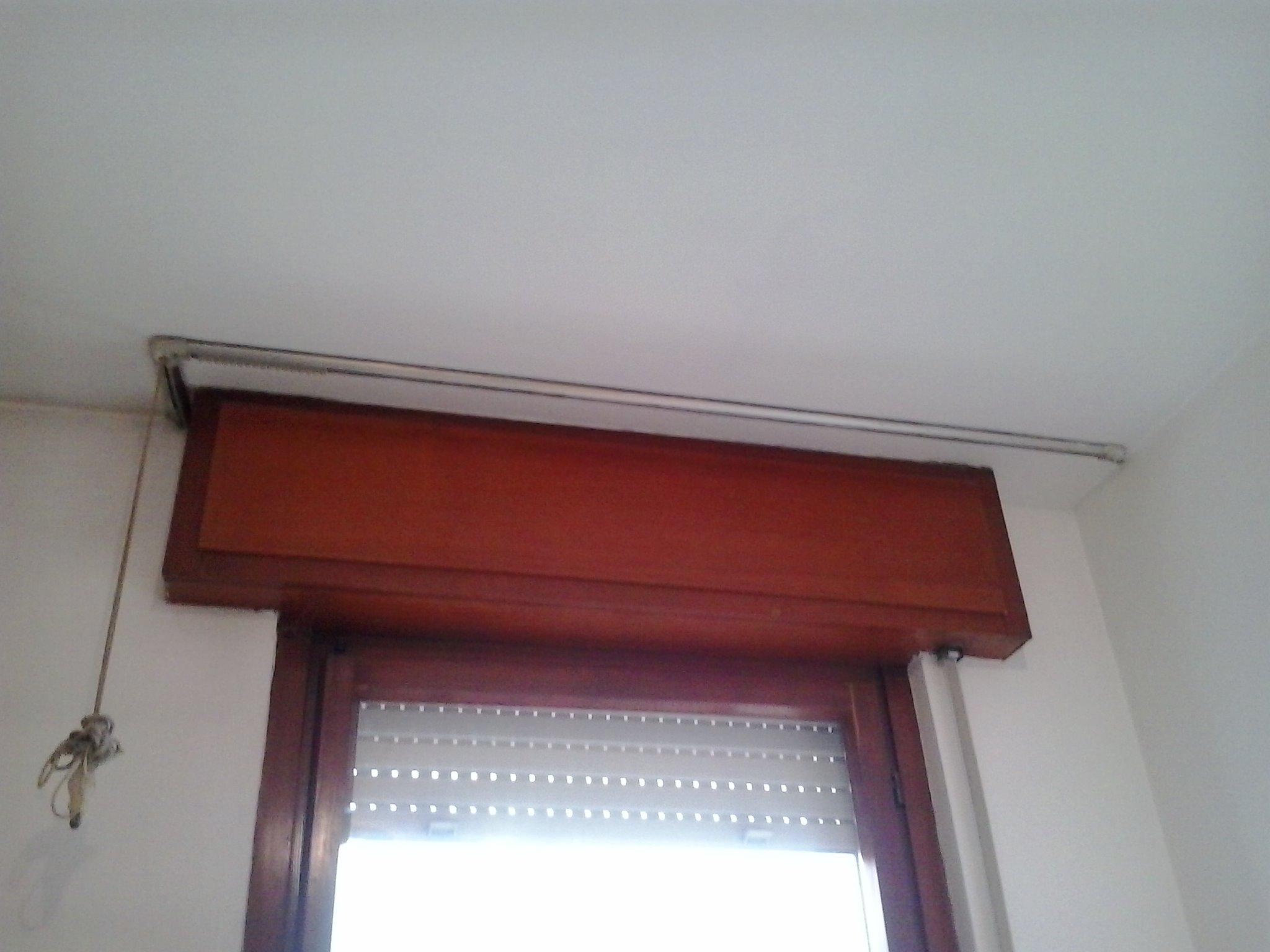 Muffa Vicino Agli Infissi imbiancatura pareti camera da letto di 9.5 mq - instapro