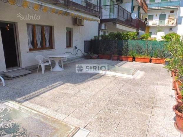 Posa pavimentazione deck esterno lastrico solare instapro