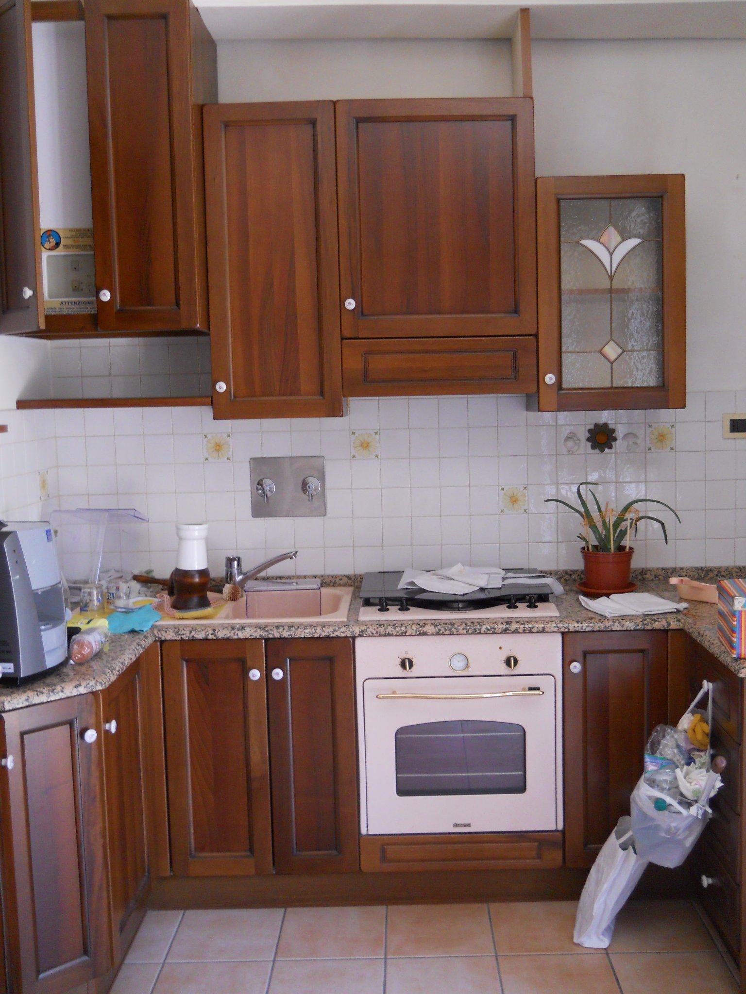laccatura ante pensili cucina - Instapro