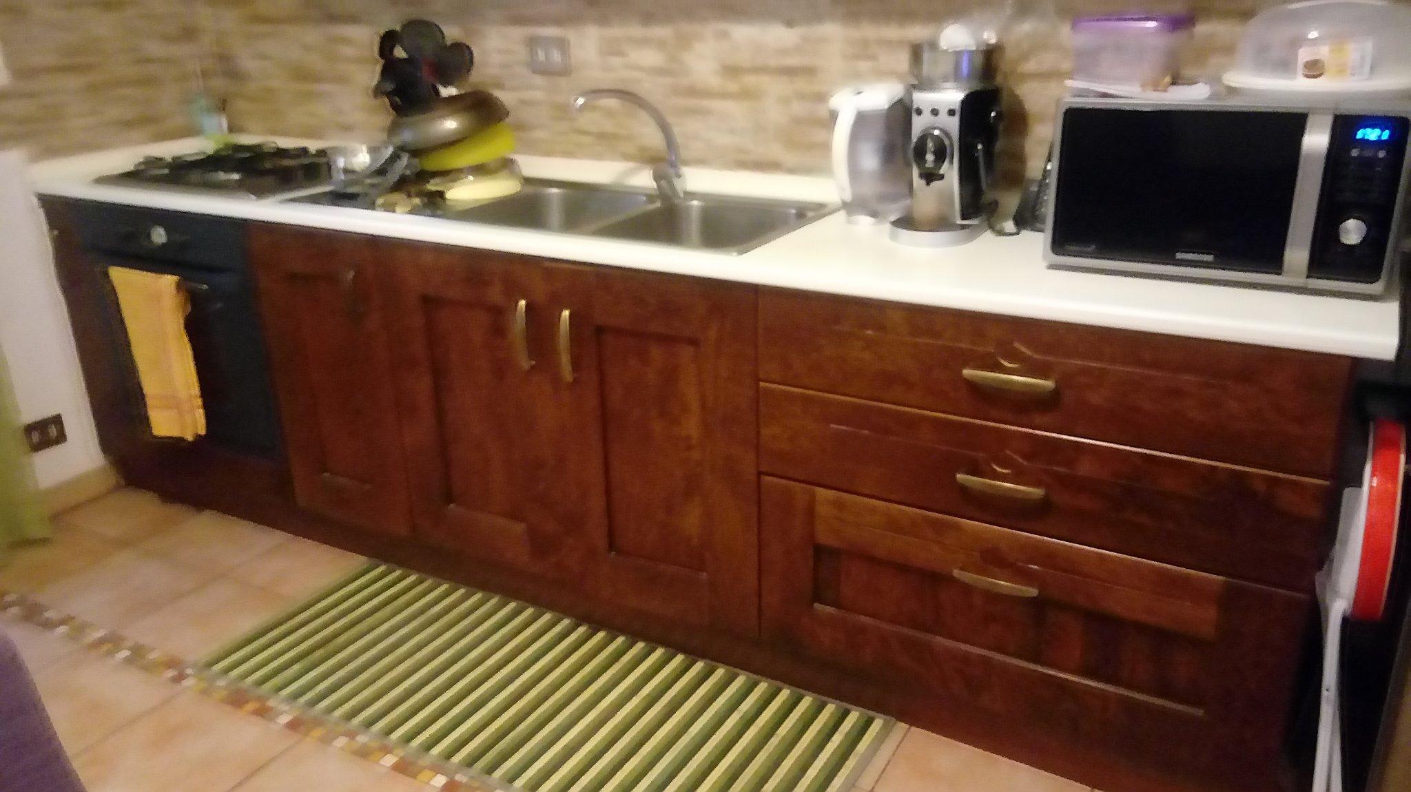 Verniciatura mobili cucina in Legno - Instapro