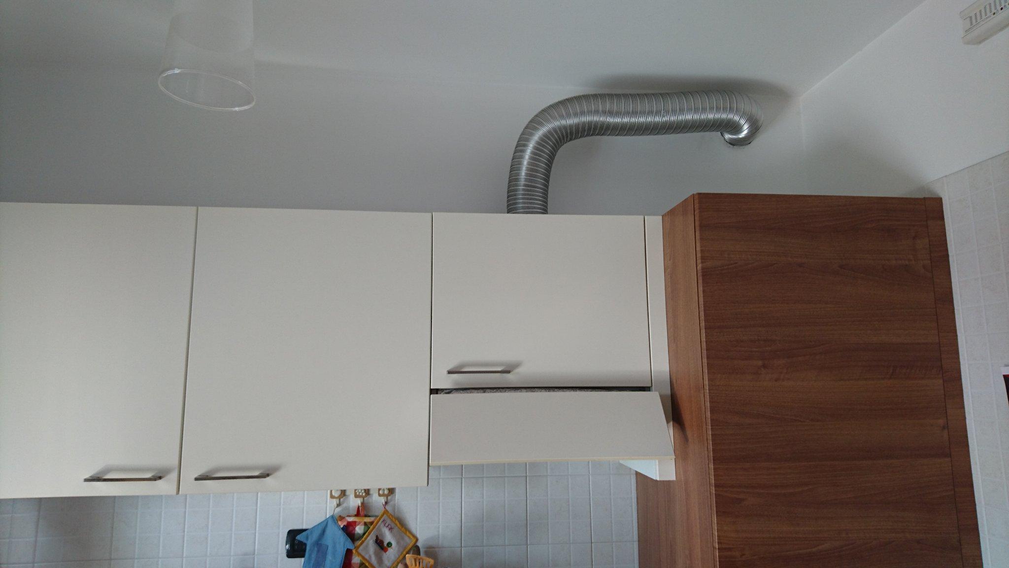 Fornitura tubi e collegamento degli stessi da cappa cucina for Cappa cucina senza tubo