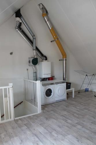 Zolder splitsen in 2 kamers, 1 kantoor (+ dakraam) en 1 slaapkamer ...