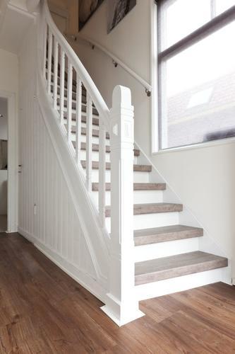 Bouwen traphekwerk jaren 20 stijl inclusief grote trap for Trap bouwen