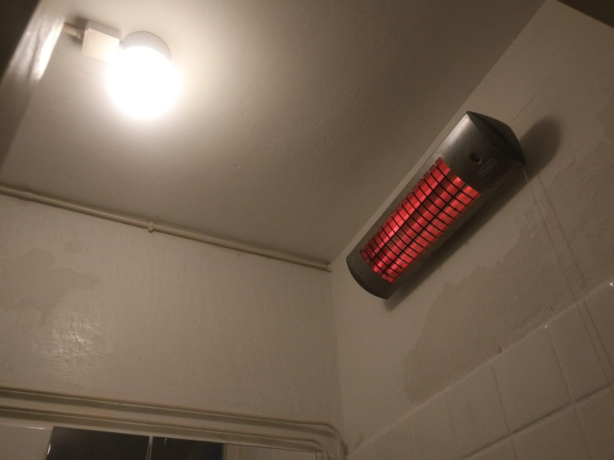 Plafond Badkamer Afsteken : Badkamer wand en plafond afsteken en stuccen werkspot