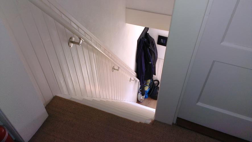 Traphekje plaatsen monteren bovenaan trap werkspot for Plaatsen trap