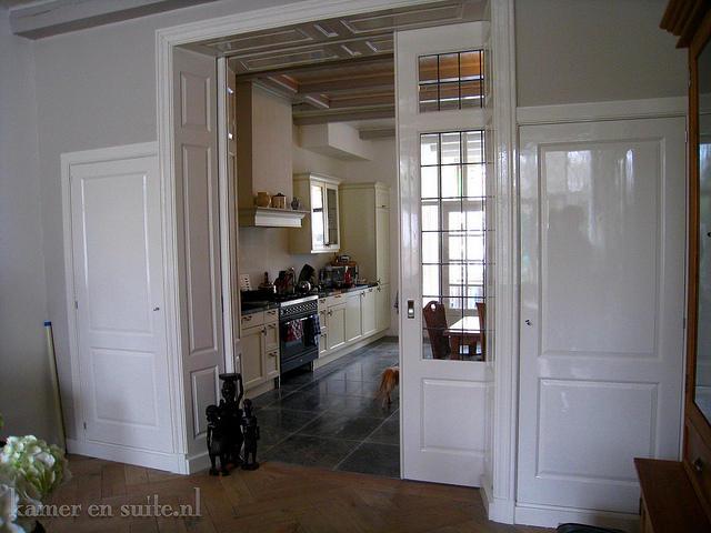 Boekenkast maken in kamer en suite stijl werkspot - Barokke stijl kamer ...